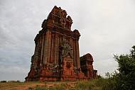 Đền tháp Chăm trên đất Quảng Ngãi