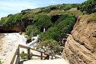 Ngôi chùa trong vách đá chỉ có tại đảo Lý Sơn