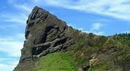 Ngọn núi xứng tầm di tích quốc gia chỉ có ở Xứ Quảng