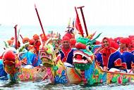 Thuyền rồng trên biển đảo Lý Sơn