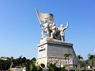 Tượng đài Khởi nghĩa Ba Tơ- Quảng Ngãi