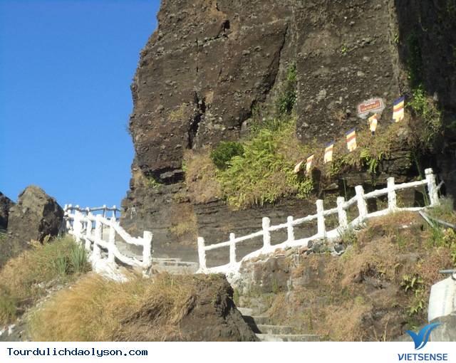 Chùa Đục- Đảo Lý Sơn - Ảnh 2