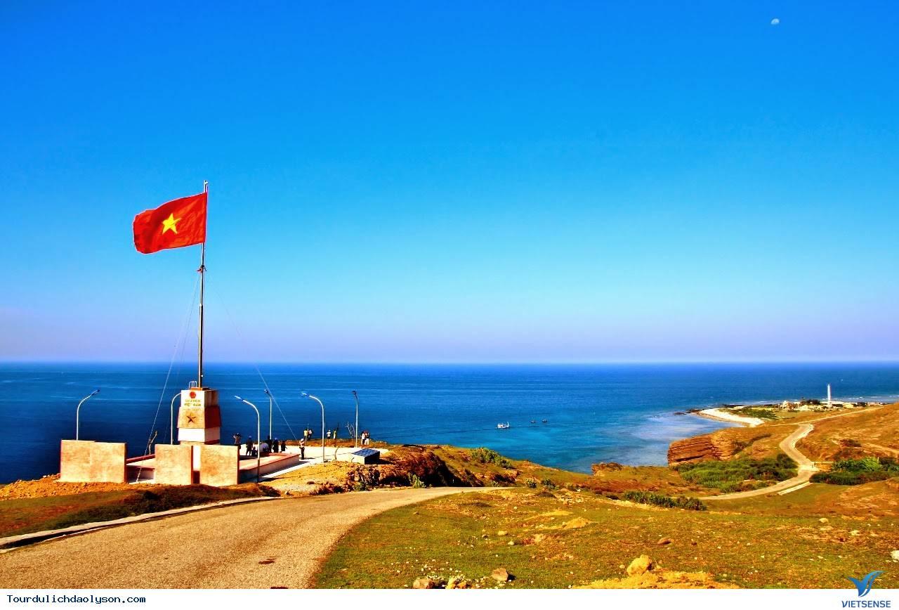 Cột cờ Tổ quốc trên đỉnh Thới Lới- Đảo Lý Sơn - Ảnh 1