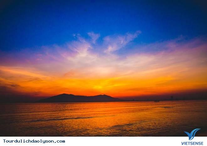 Ngắm bình minh trên đảo Lý Sơn